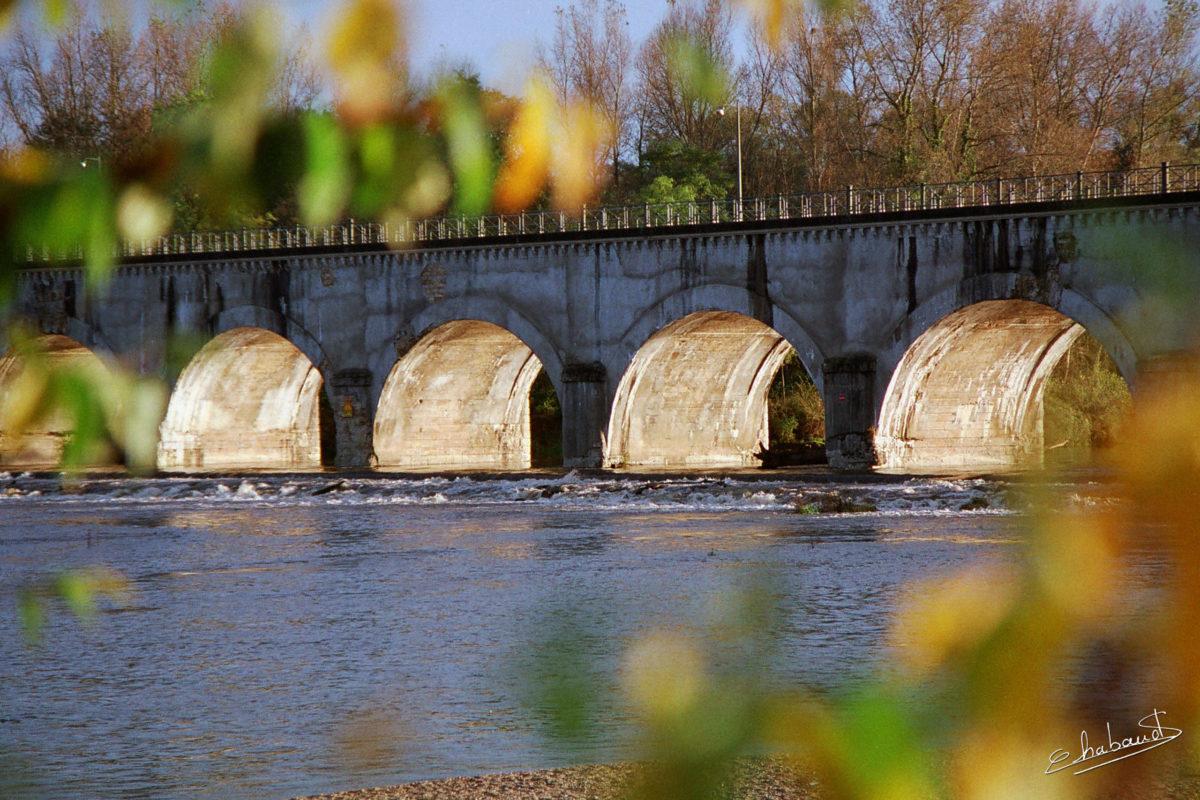 Pont canal à Cuffy
